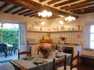 Farmhouse Close to Lucca for a Family - Casa Guamo, Capannori