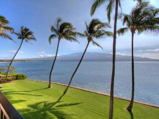 INCREDIBLE Oceanfront View with LUXURIOUS Comfort!, Maalaea