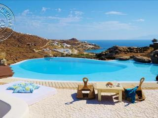 TOP LOCATION Rent Private Villa in Mykonos PRIVATE POOL & HOT-TUB