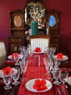 Formal dining area that seats 8