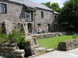 East Penrest. Organic Farm Holiday in 5 Star  Barn, Launceston