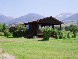 PINE CREEK CABIN LOCATED IN PARADISE VALLEY, Livingston