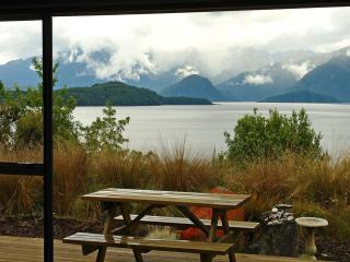 Captain's Lookout and Simply Manapouri two units