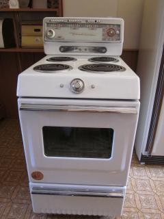 1953 Findlay Stove