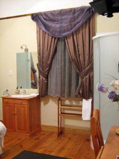 Bathroom area in double rooms