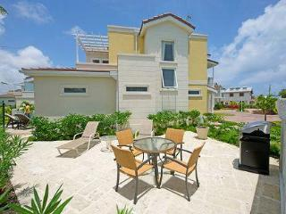 Modern 3bed villa nr surfing, Oistins, sea views, Atlantic Shores