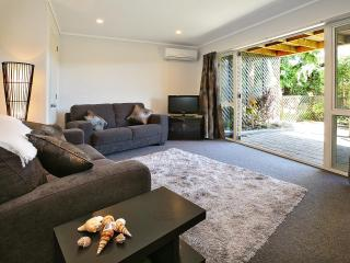 Self contained 1 bedroom apartment with ensuite, Dunedin