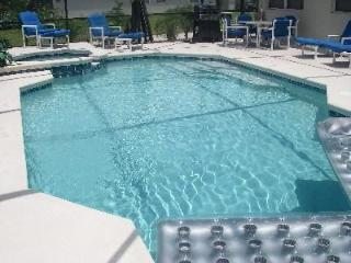 Huge 4 Bed, 3.5 Bath-Disney 10 mins,BBQ,Pool & Spa
