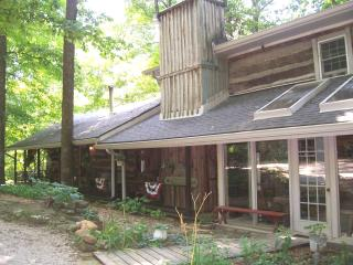 Highland House Log Cabin B&B LLC, Shoals