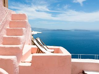 PINK & BLUE villas, private HOT TUB, Caldera View!, Oia