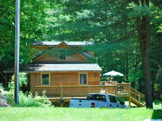 Savage Riverfront Getaway, Brownie Cottage, Swanton