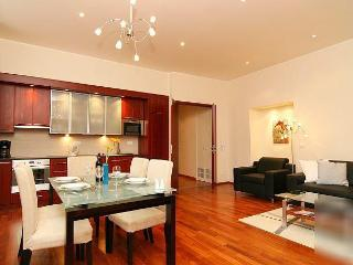 Best Location, Luxury Apartment at Old Town Square