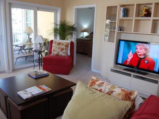 Comfortable 3/3 Condo Near Beach & Main St., North Myrtle Beach