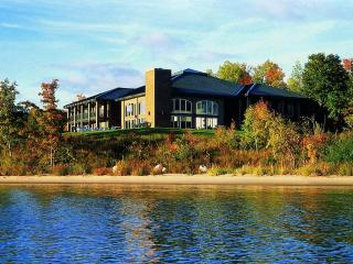 Northport Bay Retreat, Traverse City