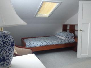 Second bedroom: 2 singles