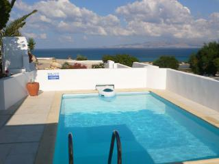 Honeymoon Nest-villa w/private swimming pool, Kastraki