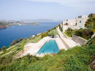 Luxury Villa in Patmos with pool and sea views, Pátmos