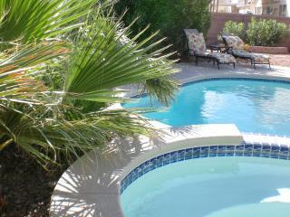Private Oasis Home- Pool/Spa- 3 bedroom/2 bathroom