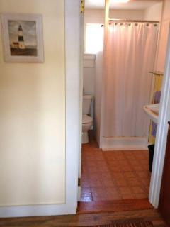 Bathroom, photo #1
