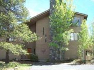 FIVE BEDROOM FUN AND OPEN HOME ON FORT ROCK PARK, Sunriver