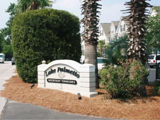 Carolina Waterfront Rentals - In Great location, North Charleston