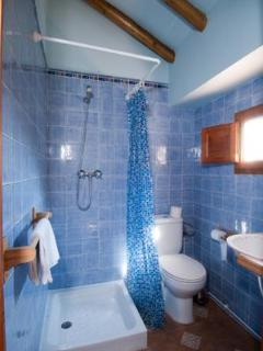 The ensuite shower room