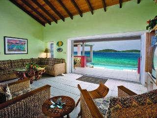 Villa Sea Star, on the beach! 3 white sand beaches, East End