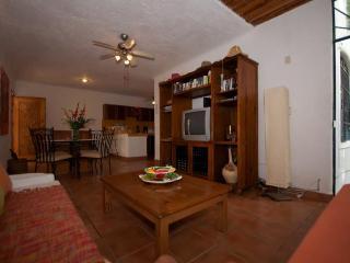CASA DEL SOL CAMPANILLA comfortable and affordable, Playa del Carmen