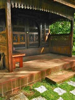 Antique Javanese Tiny Teahouse