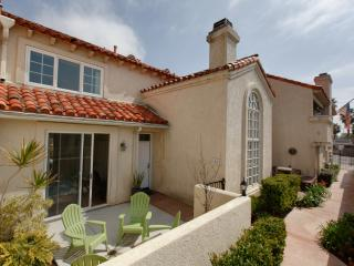 San Diego 3 Bedroom Condo 2 blocks to Beach, Wifi