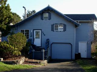 Nautical Beach House at the Devil's Punchbowl! Newport Oregon Vacation Home!