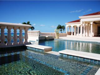 LES JARDINS DE BELLEVUE...Spetacular, one of a kind deluxe villa with breathtaking views!, Marigot