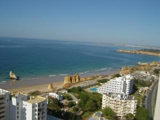 Algarve Holiday Studio at Praia da Rocha, Algarve