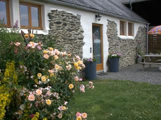 Couples Rural Escape, easy access to Western Brittany: Penlan Gites, Gite 2