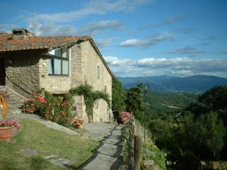 500 yr old Tuscan Farmhouse, Scarperia e San Piero