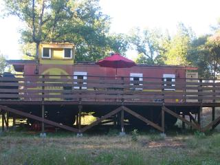 Caboose with Deck