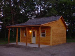 Deeg's Outdoor Adventure Cabins - The Whitetail