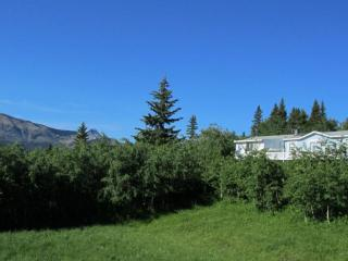 Foothills Ranch Retreat near Waterton Nat'l Park, Waterton Lakes National Park