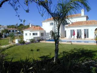 Luxury 5 bed villa overlooking Quinta do Lago, Almancil