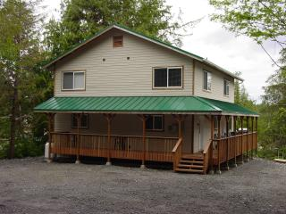 5 Bedroom 5 Bathroom Beach Front Vacation Rental, Ketchikan