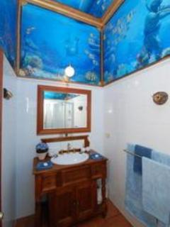 King Bedroom Bathroom with Fresco
