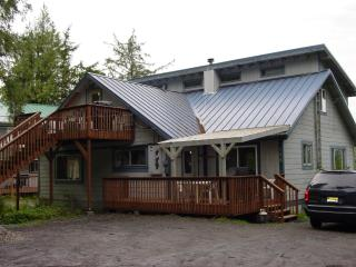 "Be ""Almost Home"" in your own outfitted apartment!, Ketchikan"