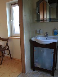 En-suite shower room to top floor bedroom