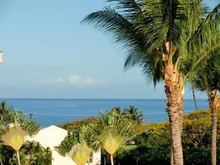 Maui Banyan, next to beautiful Kamaole 2 Beach!, Kihei