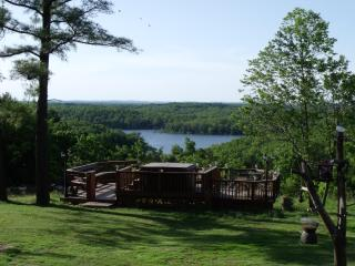 OZARKS Cabin on Bull Shoals Lake