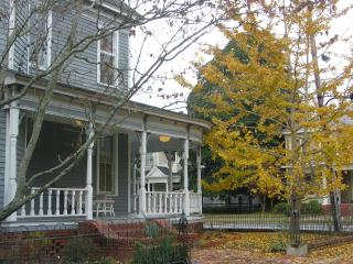 1906 QUEEN ANNE HISTORIC HOME, Valdosta