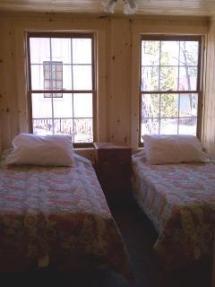 Bedroom #5 - Twin beds, ground floor