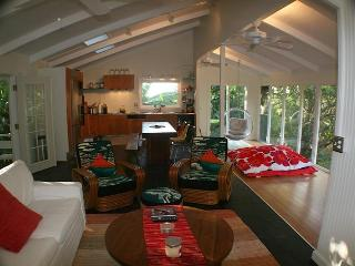 Cozy Surf Cottages above Sunset Beach & Pipeline., Haleiwa