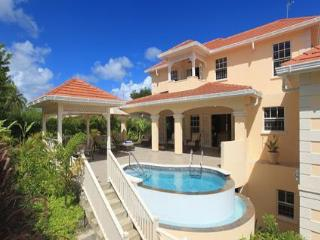 Luxury 4bdrm Holetown villa, pool/staff, nr beach