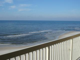 Celadon 5th Floor Beachfront 2BR+Bunkrm, Free Wifi